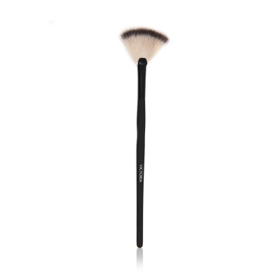 Victoria Professional Foundation Brush